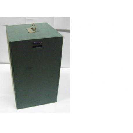 Caja con puerta corredera